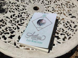 Anthea-Livre-2-Les-Sorciers_Broche